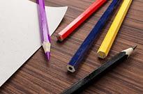 Lápis de diferentes cores ilustram diferentes tipos de inovação