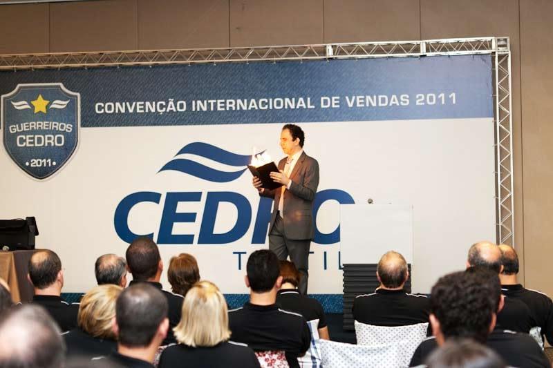 Palestra de vendas com Daniel Bizon convenção