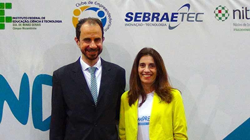Palestrante Daniel Bizon com a Professora Cristina Janine