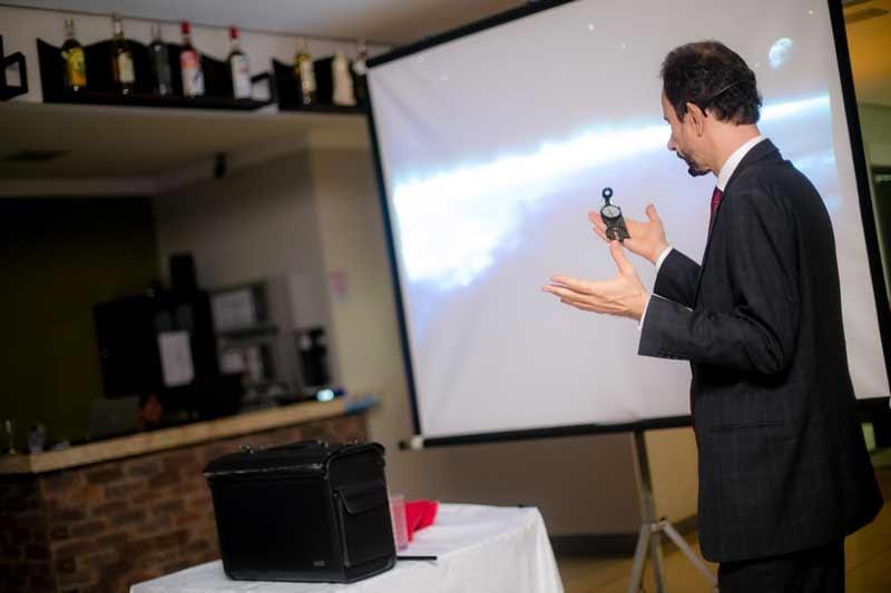 Daniel Bizon fala sobre inovação usando uma bússola
